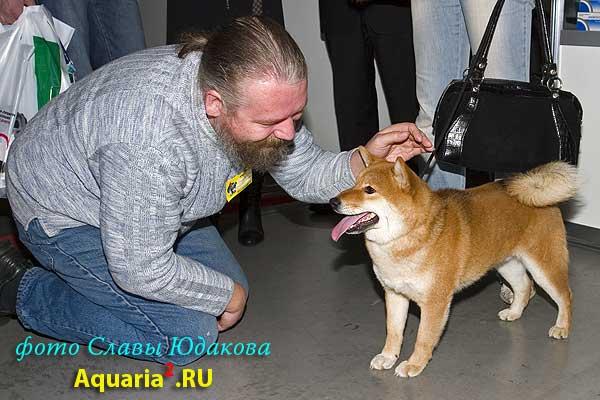 Клочков (слева)  и собака