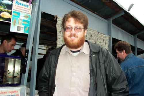 Проездом из Питера, наш уфимский гость Ильдар Фаррахов. Кстати, весьма грамотный аквариумист, к тому же много помогает мне в работах по сайту.