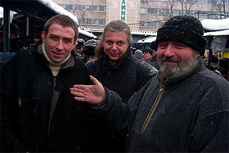 В центре Андрей Белов. Справа от него Юра Каверкин, слева - Анатолий Жуковин.