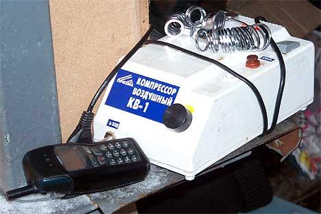 Как сказал Андрей Белов. Это уже даже не прибор. Это просто агрегат... Особенно Андрея впечатлили удобный доступ к предохранителю и педаль (кнопкой или клавишей это уже не назовешь) для включения.